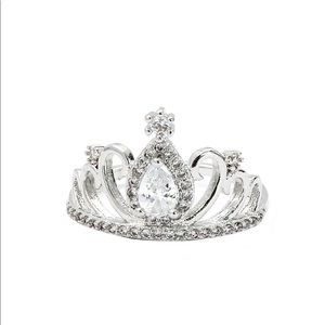 Silver noble crown crystal ring